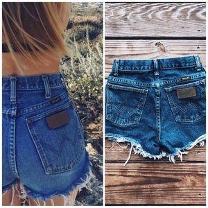 VINTAGE WRANGLER Cut Off High Waist Denim Shorts
